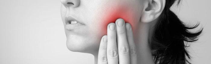 Чистка лунки после удаления зуба больно