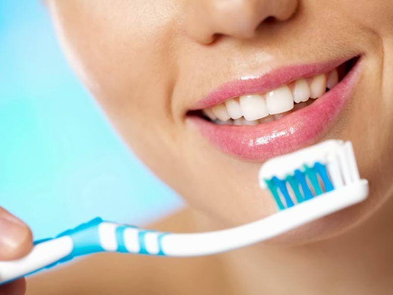 10 причин чистить зубы каждый день