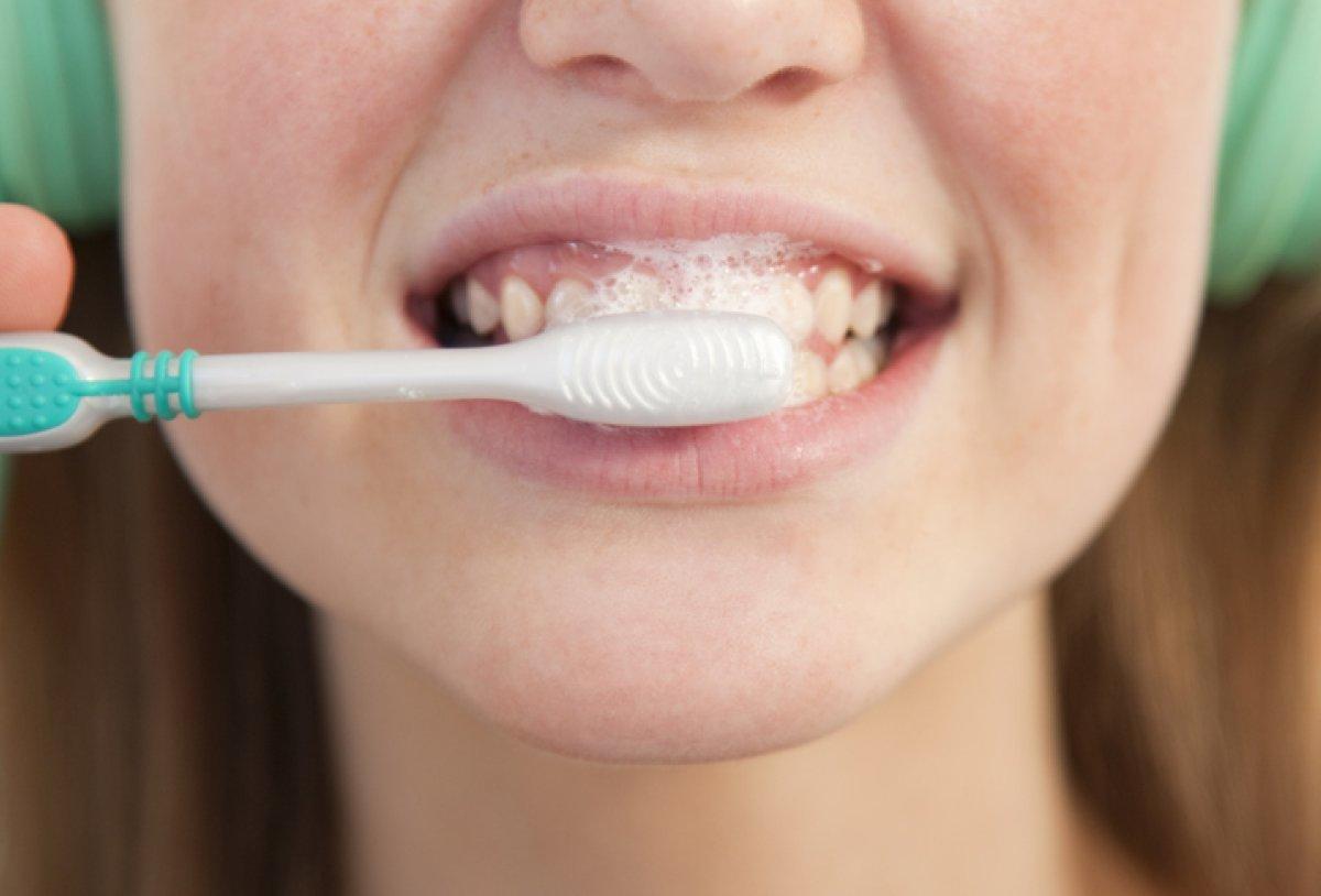 Сколько по времени надо чистить зубы и правильно