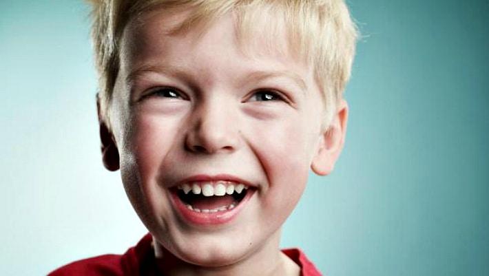 Что выбрать фторирование или серебрение молочных зубов детям