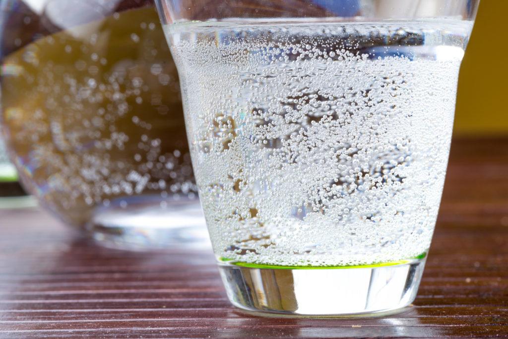 В газированных напитках содержится больше фруктозы, чем заявлено на этикетках