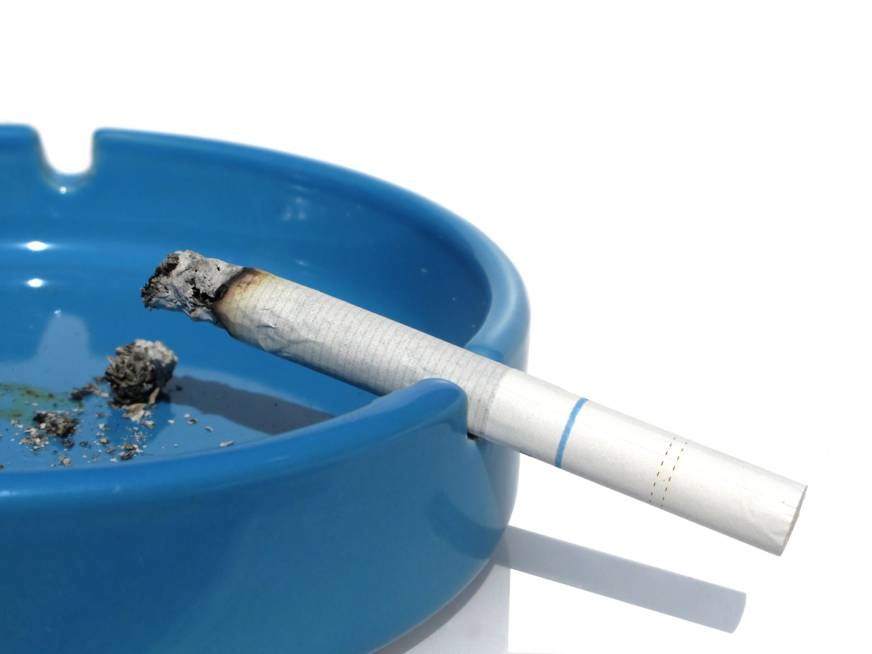 Курение вредно для зубов