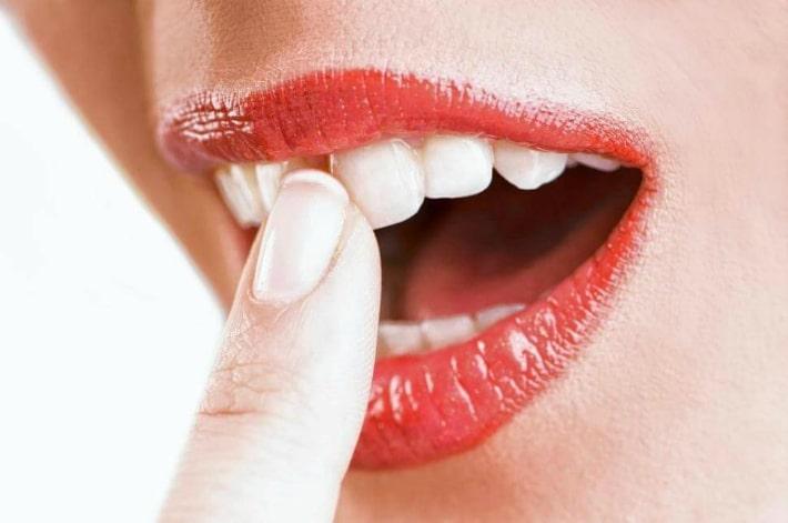 Эрозия зубной эмали: основные факторы риска и эффективное лечение