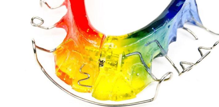 Пластинки для лечения зубочелюстной аномалии