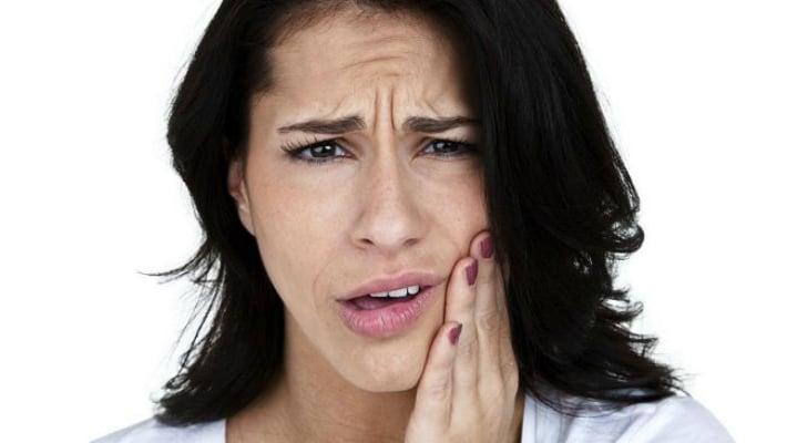 Лечение треснувшего и расколовшегося зуба