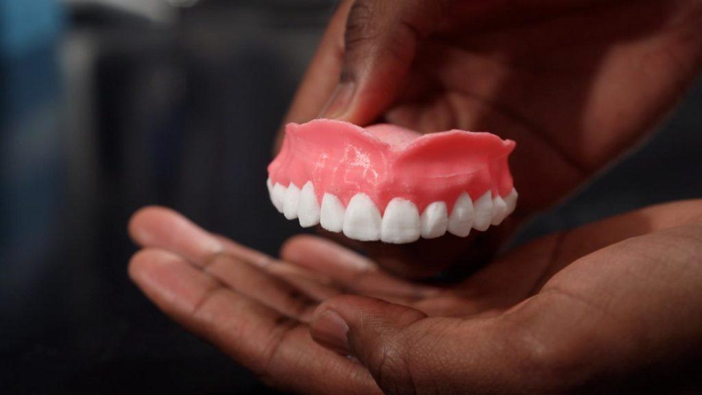 Накладные зубные протезы