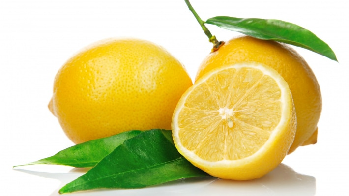 Лимон и отбеливание зубов