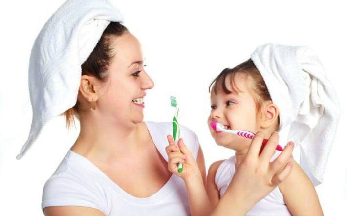 Чистка зубов после завтрака