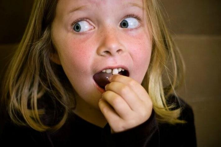 Шатаются молочные зубы