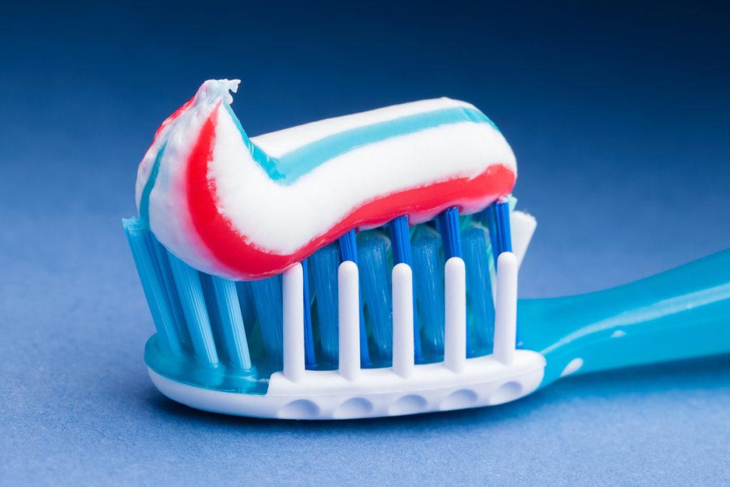 Опасен ли полиэтилен в составе зубной пасты?
