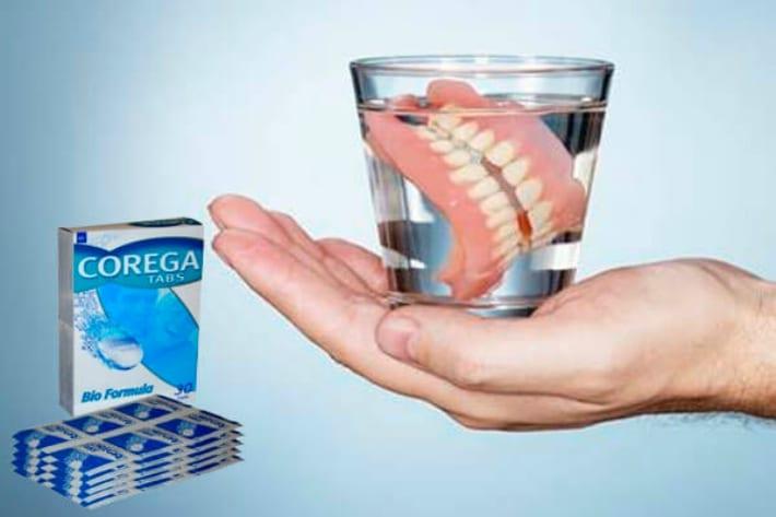 Таблетки Корега для очищения зубных протезов