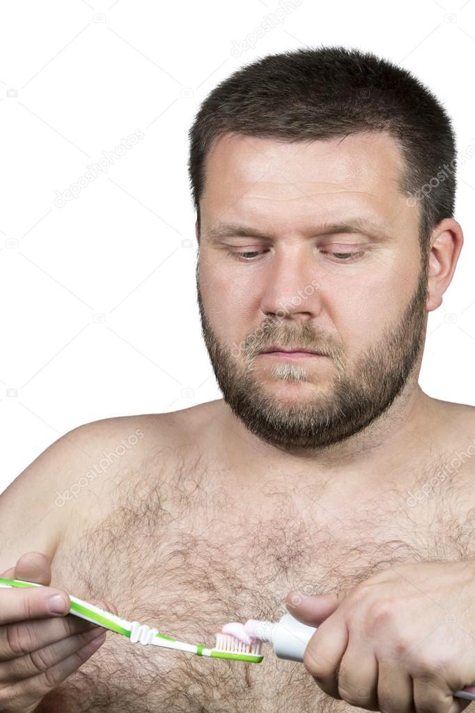 Триклозан, входящий в состав зубной пасты могут привести к мужскому бесплодию