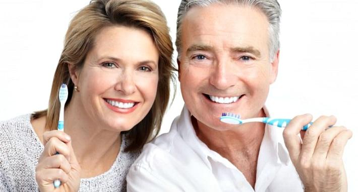Вред и польза чистки зубов