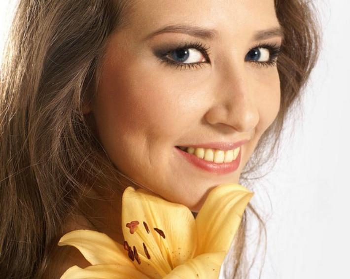 Желтый и коричневый налет на зубах