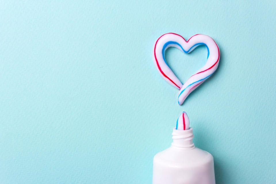 Выбор зубной пасты для детей: на что обязательно обратить внимание